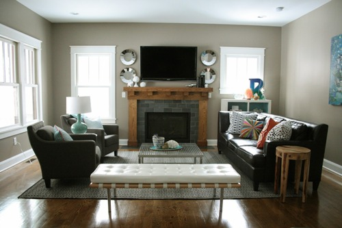 How to Arrange Furniture in a Living Room with 2 Focal Points