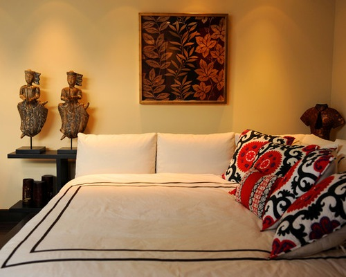 How to arrange pillows on a corner bed 5 ways for for Catty corner bedroom ideas
